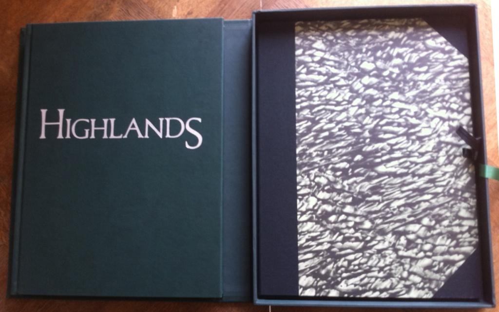 Highlands coffret collector avec cartonn à dessin des sanguines